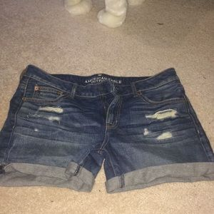 American Eagle Outfitters distresses denim shorts